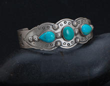 Earrings2-052-40.jpg