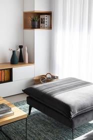 הדום שודך לספה הגדולה ומשמש גם לישיבה וגם להתרעות נוחה