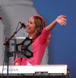 Mollie_Singing.jpg