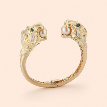 18k Yellow Gold Lion Head Bangle with South Sea Pearls, Emeralds and White Diamonds (3.13 tcw)