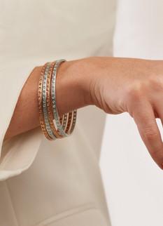 18k Gold Fantaisie Diamond Bangle (2.98 tcw)