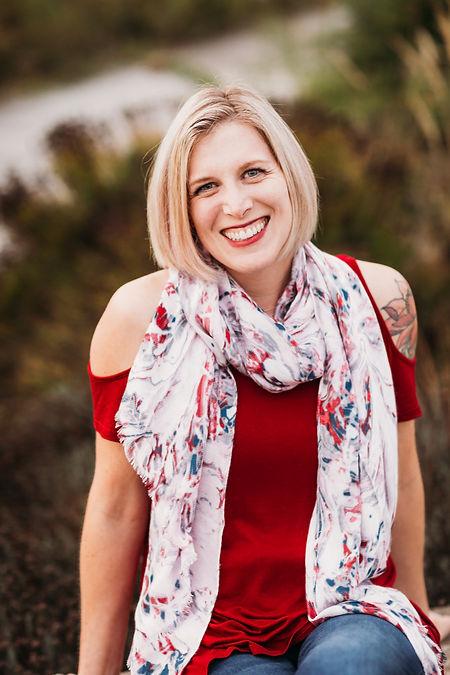 Lisa Davis headshot.jpg