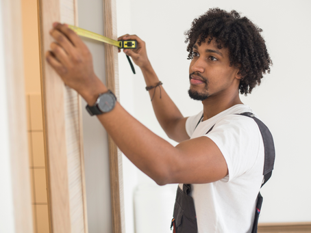 The 3 Main Differences Between a Handyman and General Contractor