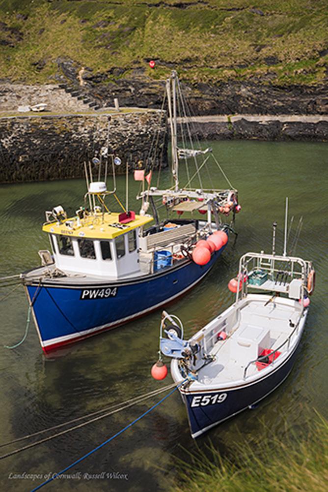 Boscatle harbour boats