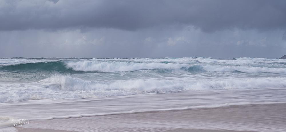 Huge waves at Sennen