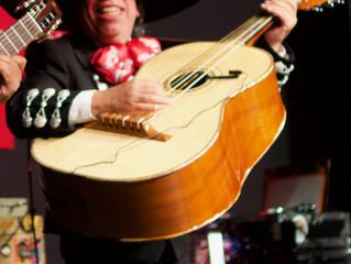 Die Instrumente der Mariachi - Teil  2, Der Guitarrón