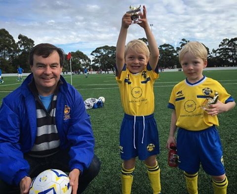 Dingoes U6 Players of the match with coach Paul ⚽️💙💛 #blueandyellow #bthraiders
