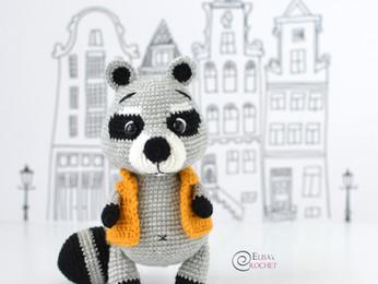 Gigi the Raccoon Free Crochet Pattern