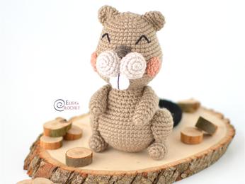 Woody the Beaver Free Crochet Pattern