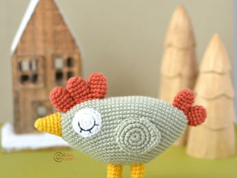 Agatha the Hen Free Crochet Pattern