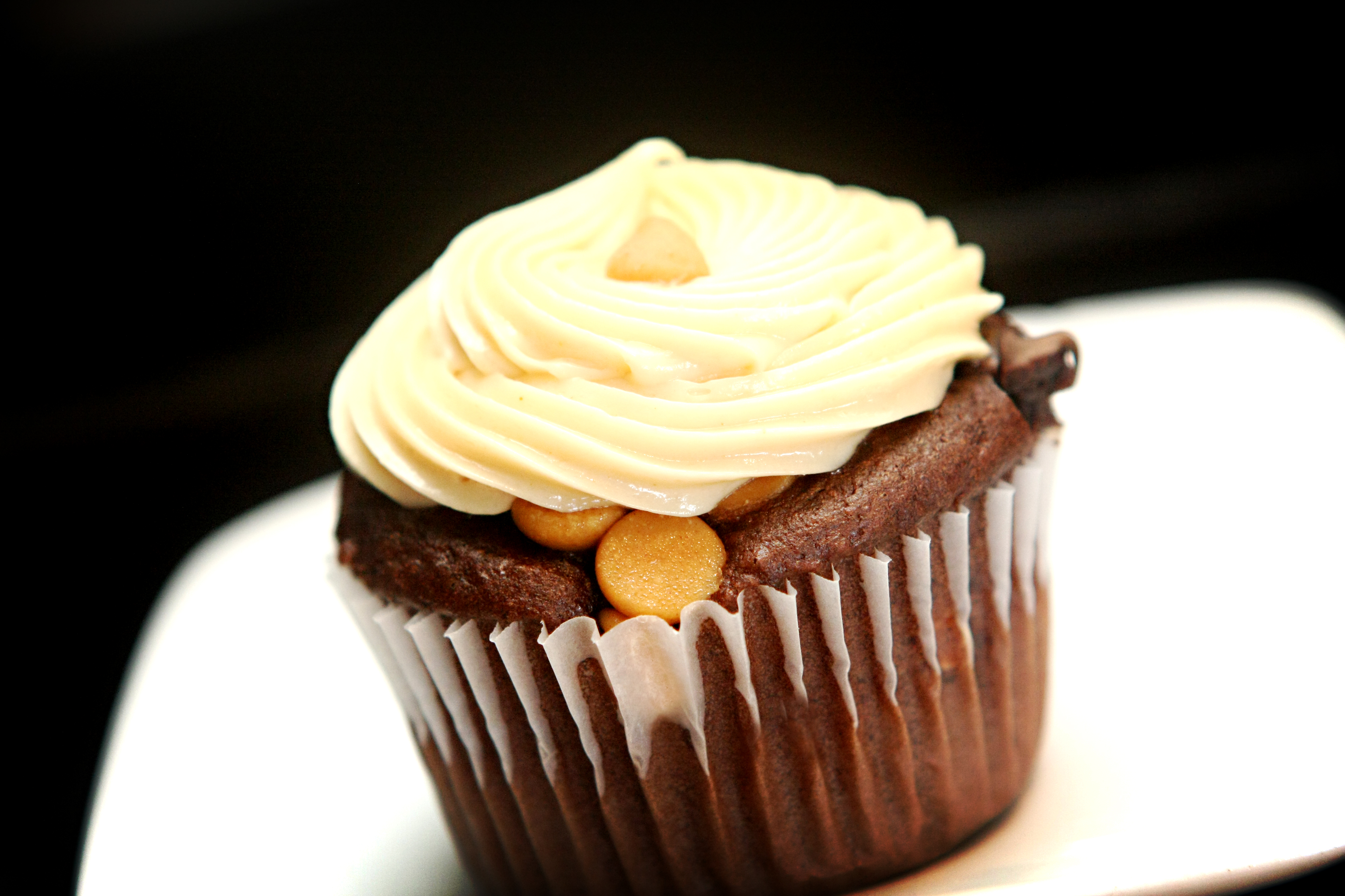 Lightning Cupcakes Chocolate Peanut Butter 2054