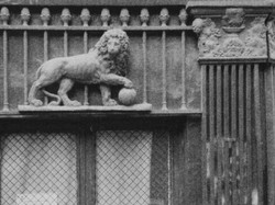 detail of 'Cher Atget'