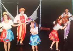 Juliana performing