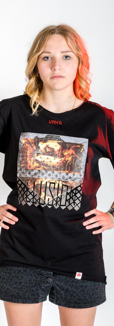 t-shirt-oversize-illusion-modella-updfq.