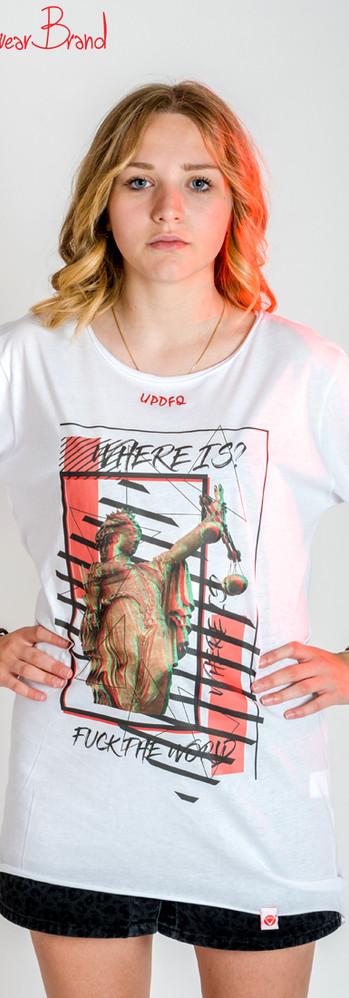 T-shirt Oversize Law