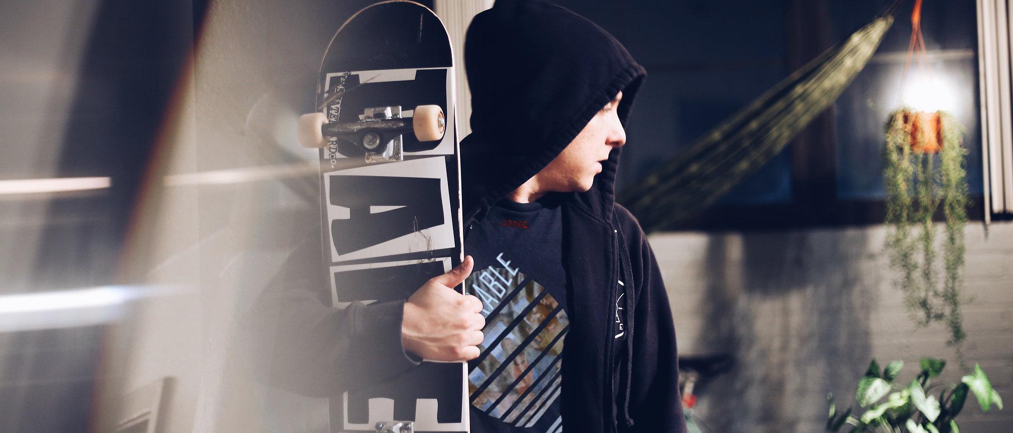 foto scattata durante il lookbok abbigliamento streetwear di Updfq brand della nostra t-shirt oversize admirable