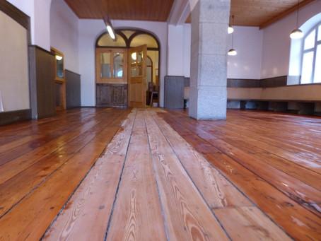Wir renovieren für Sie! / Stiamo rinovando per voi! We are renovating for you!