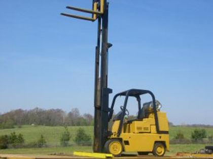 12,000 LB Cat Warehouse Lift Model T80B