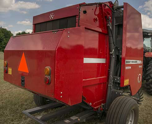 Hesston-by-Massey-Ferguson-1700-Series-1