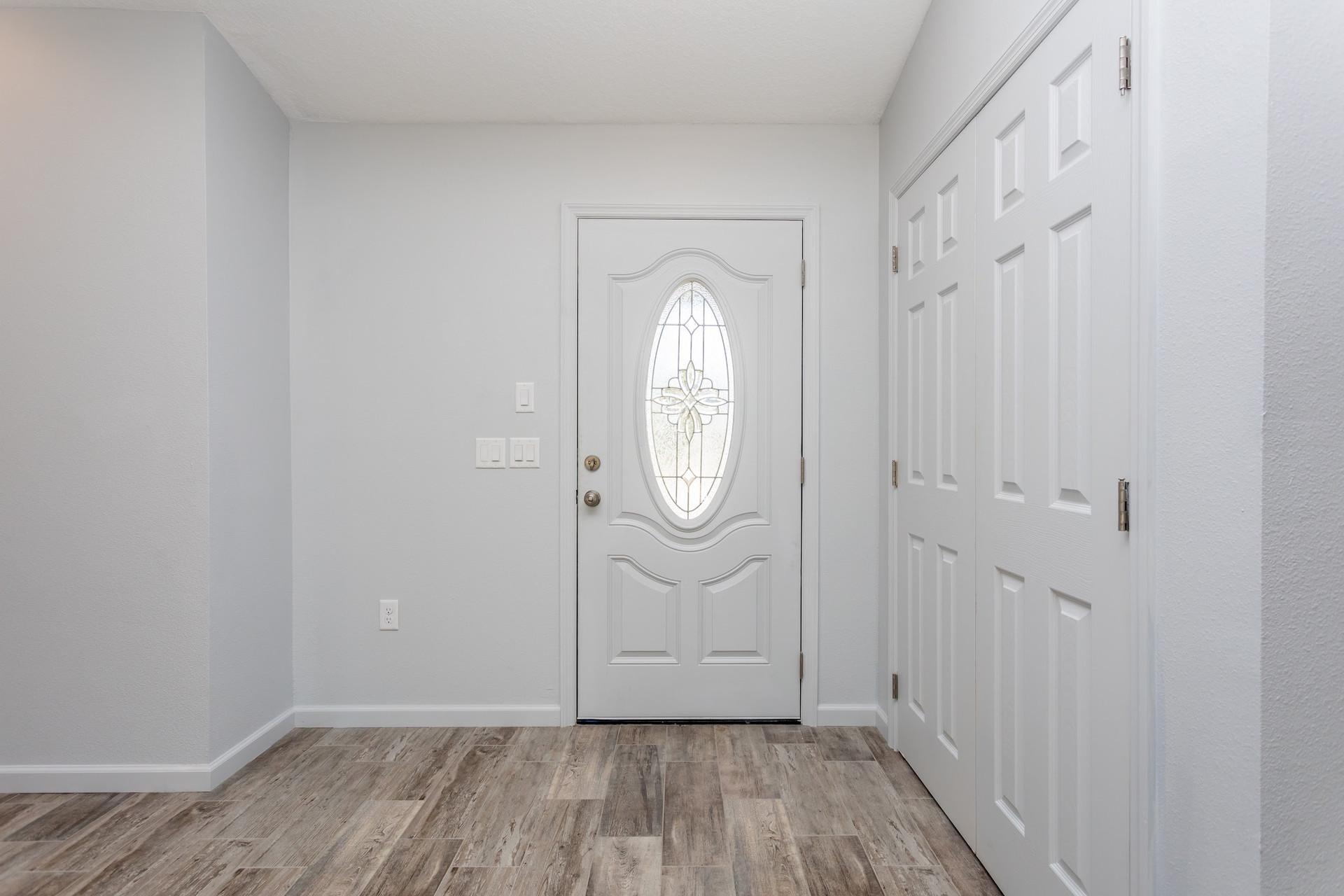 LEDGESTONE Entry