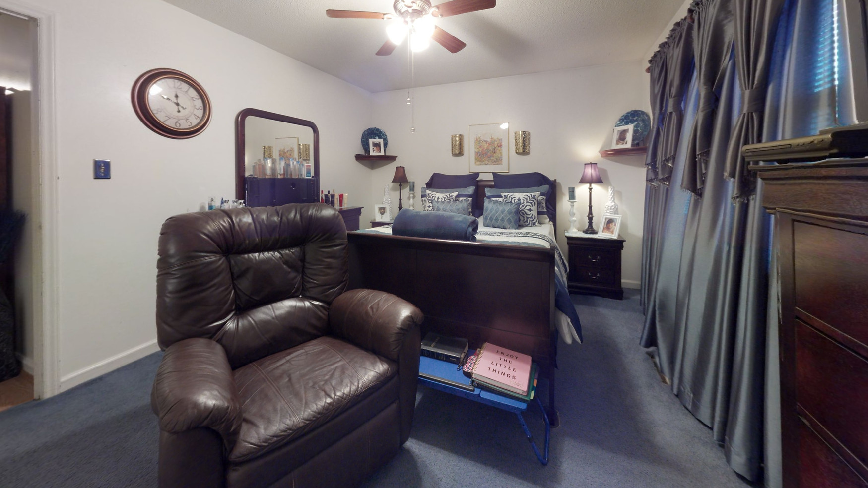 Gant-St-Bedroom.jpg