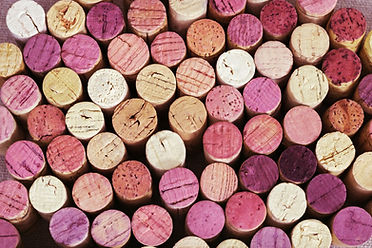 background-bright-wine-corks-from-red-wh