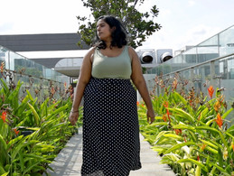 """Labelled 'Fat' & Told to """"Lose Weight"""" - She Embraces Her Body to Become a Model"""