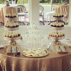 Mini Cupcakes Dessert Table