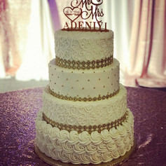 4 Tier Cream and Gold Wedding Cake