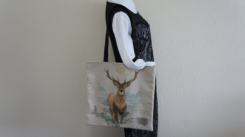 Stag Print Flat Tote Bag. Strong and Fully Lined Bag with 70cm handles.