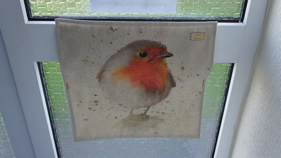Letter box post catcher Robin fabric . Attaches easily with hook and eye