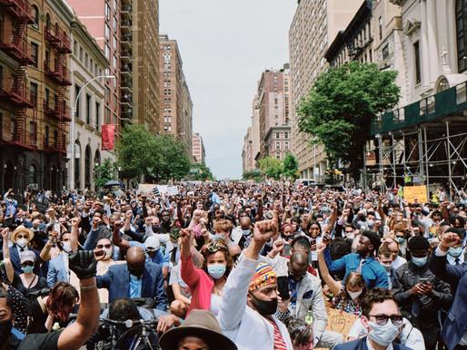 Các nhóm đấu tranh cho công lý chủng tộc tràn ngập quyên góp sau cái chết của George Floyd