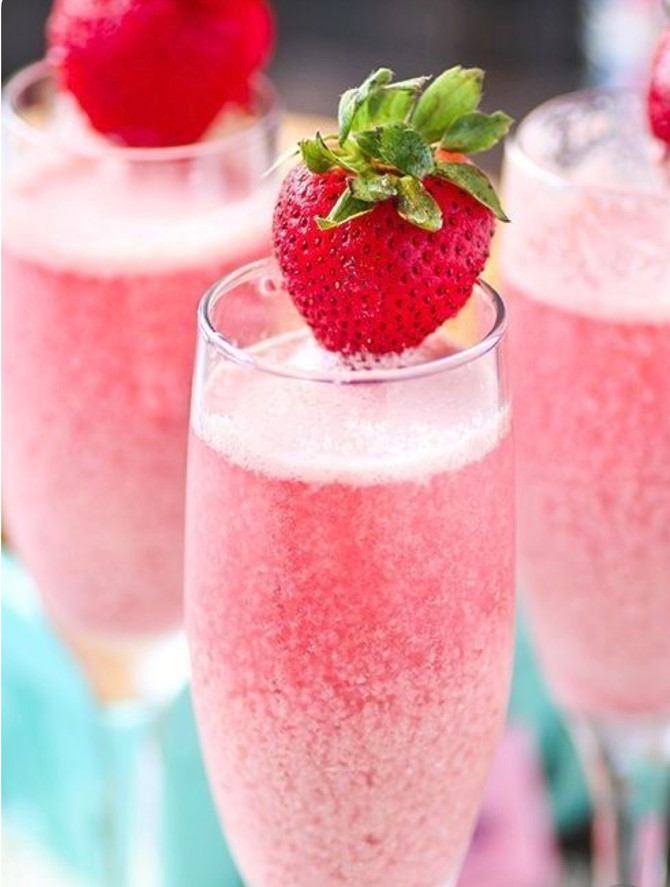 DIY Friday: Strawberry Cream Mimosas