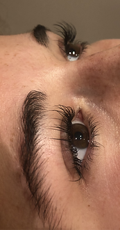 Classic Lashes.png