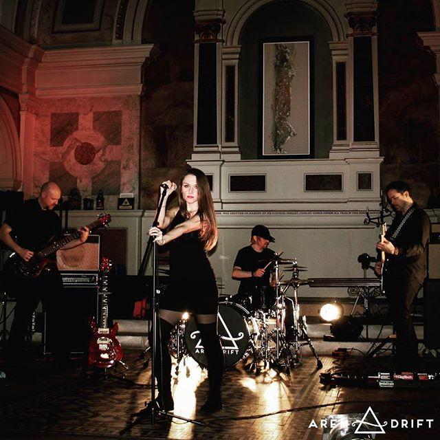 💙💋🎸😎_#arendrift #music #aren_drift #rock #livemusic #musician #londonband #rockband #czechgirl #rockmusic #arendriftband #onstage #arendrift