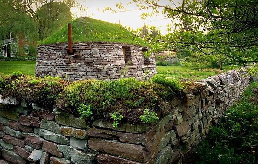 Blackhouse built by members of Dry Stone Canada