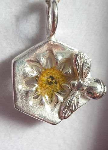 Silver bee on hexagon shape with yellow flower in resin