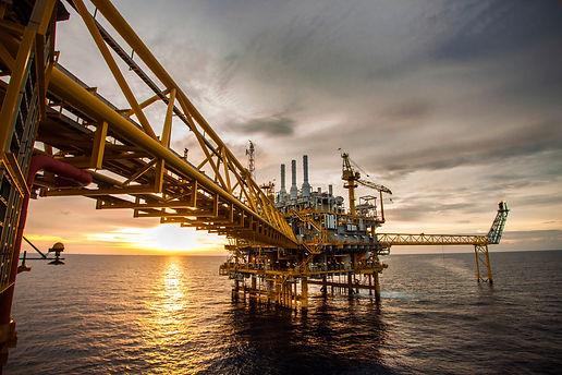 5c0a6ea2a3b01f52222d1761_Oil&gas.jpg