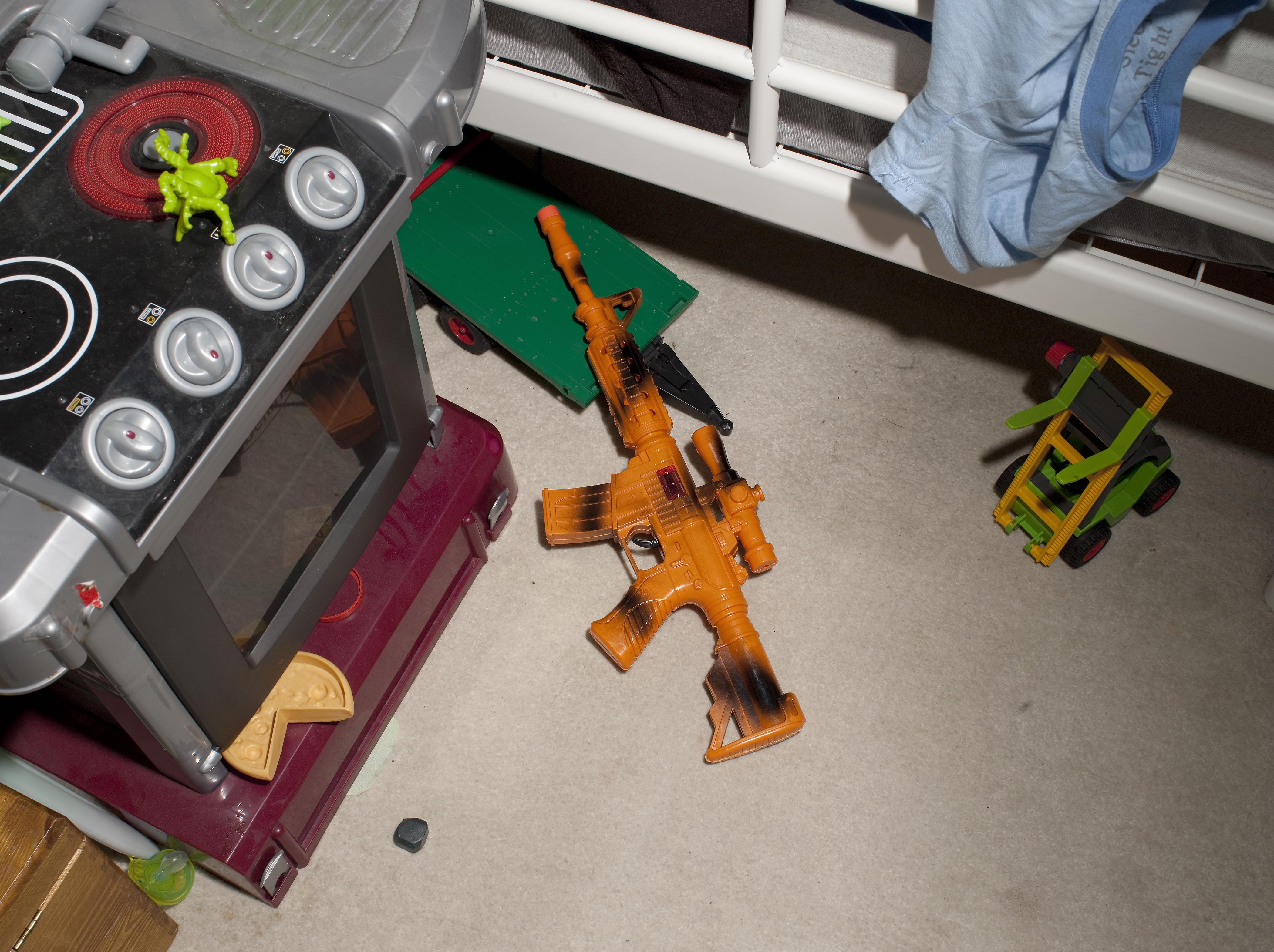 Toy Gun:Sniper Attack on Mobile Patrol