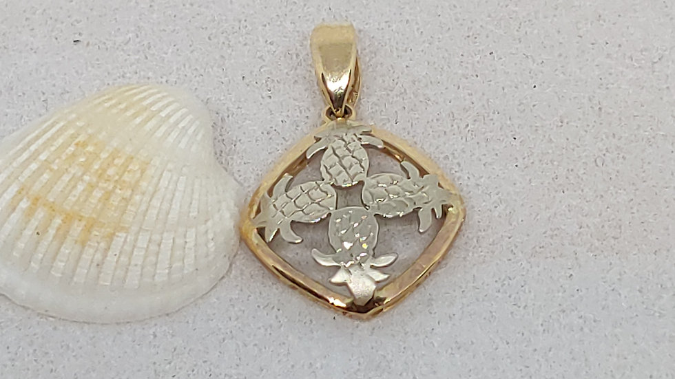 14K Hawaiian Pineapples Quilt Pendant, 14mm, 2 Tones
