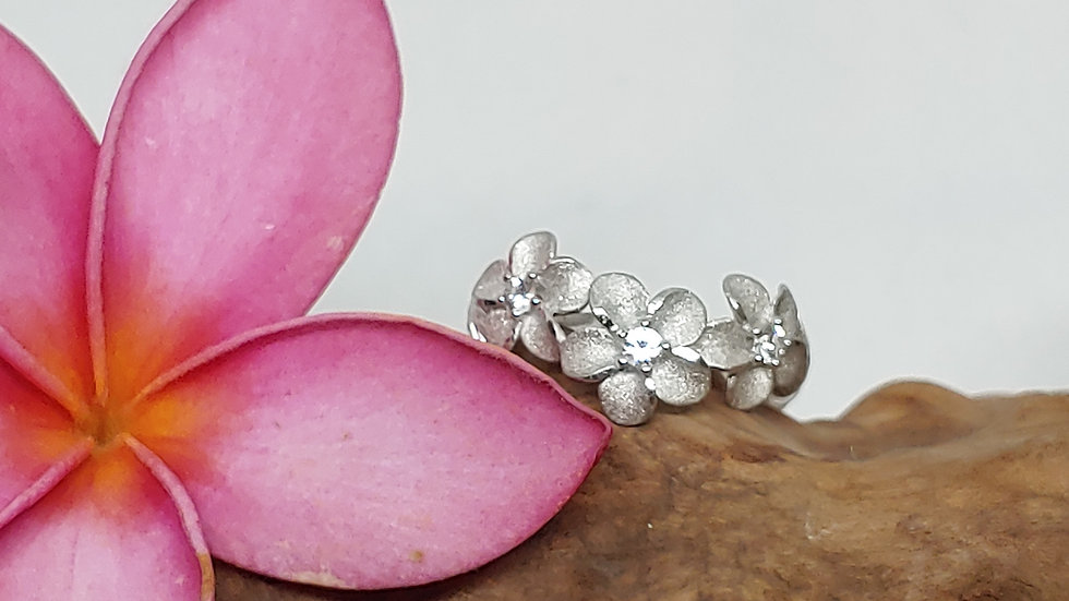 Denny Wong Precious Silver  Plumeria (3) Ring W/White Sapphire, Rhodium, 6