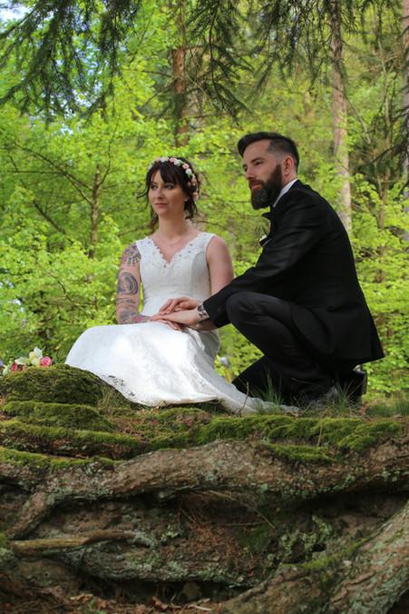 photo couple en forêt / Mariage en forêt / Hasselfurth