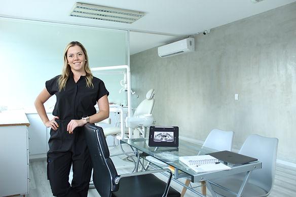 Dr. Veronica Cabezas, Especialista en Protesis Dentales