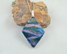 Black Irid Diamond