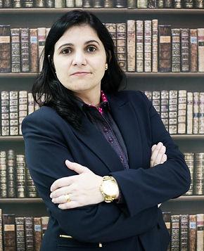 Gisele Prado - Especialista em Administração de Condomínio, Direito Imobiliário e do Trabalho
