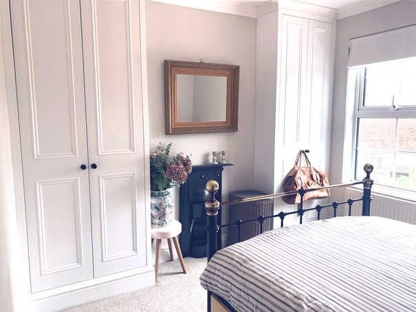 Classic alcove fitted wardrobes