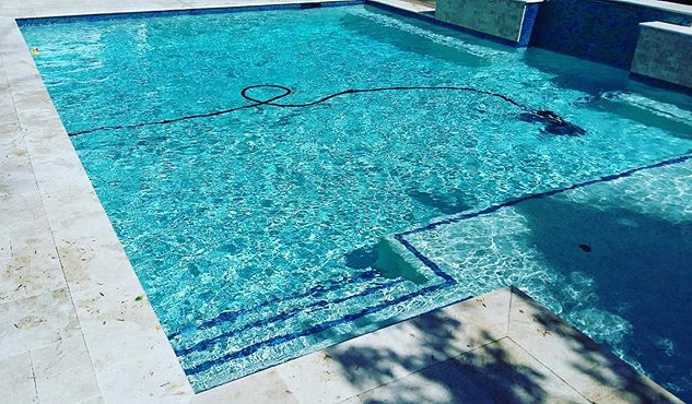 🙌🏻 clean and healthy pools, it's what