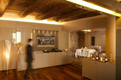 Hotel Lobby 800