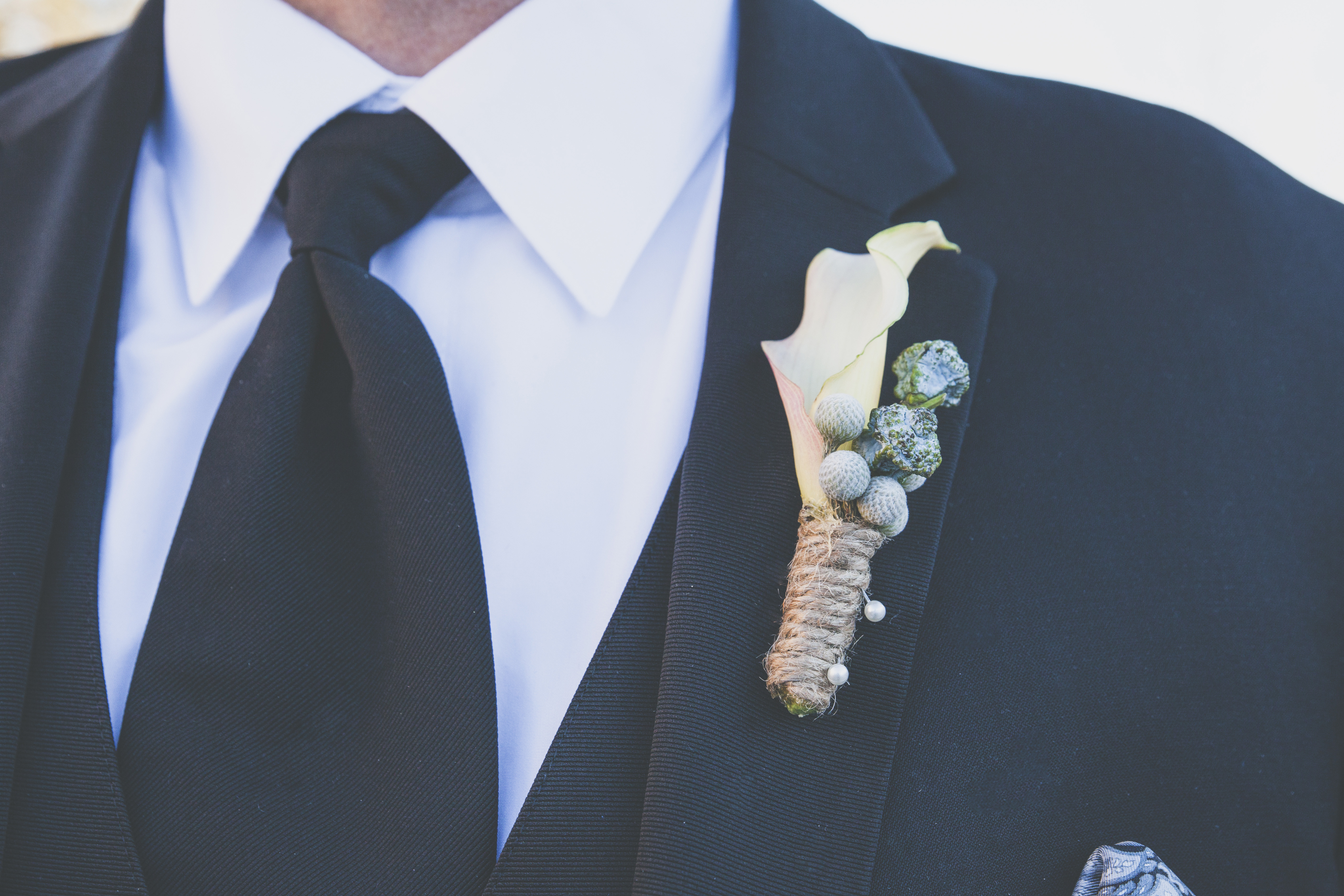 flowersbyazalea_boutonniere_whimsical_Winter_Wedding