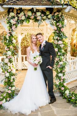 flowersbyazalea_Twin_Oaks_Garden_Estate_Romantic_Wedding_Blush_Pink_Flower_garland_Roses_hydrangea_